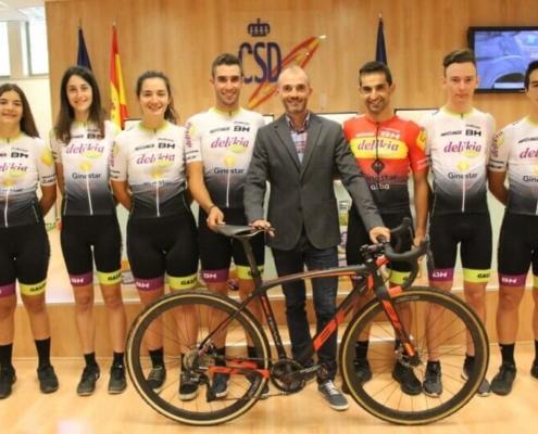 Foto del equipo patrocinado por Delikia 2